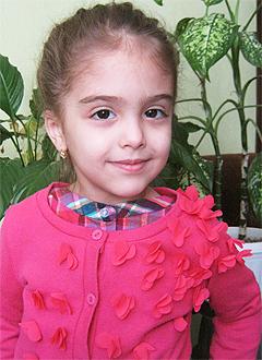 Фериде Джанбаз, 4 года, двусторонняя сенсоневральная глухота, требуются слуховые аппараты. 211068 руб.