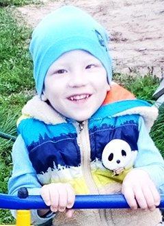Миша Швецов, 2 года, детский церебральный паралич, требуется лечение. 199620 руб.