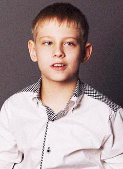 Святослав Дюжев, 9 лет, детский церебральный паралич, задержка психомоторного и речевого развития, требуется лечение. 199620 руб.