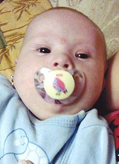 Саша Ленишин, 10 месяцев, тяжелый врожденный порок сердца, требуется коагулометр и расходные материалы к нему. 47560 руб.