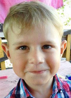 Данил Везиров, 3 года, врожденный порок сердца, спасет эндоваскулярная операция. 339063 руб.