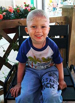 Денис Ромашин, 4 года, детский церебральный паралич, требуется специальный тренажер. 81267 руб.