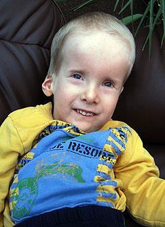 Саша Зайцев, 6 лет, органическое поражение центральной нервной системы, требуется лечение. 199430 руб.