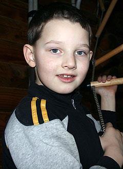 Гриша Кузнецов, 8 лет, ранний детский аутизм, требуется курсовое лечение. 119330 руб.