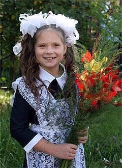 Настя Тахтаракова, 11 лет, врожденный порок сердца, спасет эндоваскулярная операция. 339063 руб.