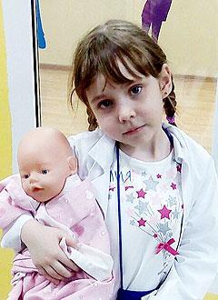 Алия Манеева, 7 лет, нейрофиброматоз 1-го типа (пигментные образования), нейрофиброма (доброкачественная опухоль) заднего средостения и забрюшинного пространства, спасет лекарство. 440000 руб.