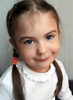 Надя Живаченкова, 5 лет, врожденный порок сердца, спасет эндоваскулярная операция. 390756 руб.