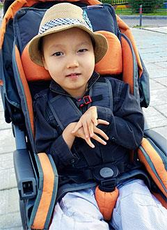 Бата Петкеев, 6 лет, детский церебральный паралич, требуется лечение. 199430 руб.
