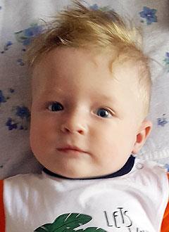 Богдан Франчук, 5 месяцев, деформация черепа, требуется лечение специальными шлемами. 180000 руб.
