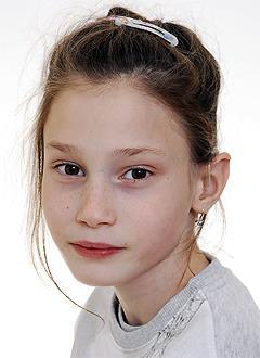 Ева Кирьянова, 8 лет, двусторонняя сенсоневральная тугоухость 4-й степени, требуются слуховые аппараты. 250635 руб.