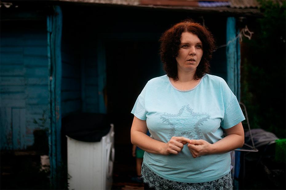 Наталья думает, как утеплить стены и трубы, чтобы не остаться зимой без воды